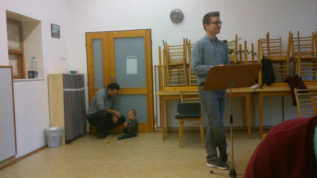 Horváth Dávid lelkesítő előadása közben